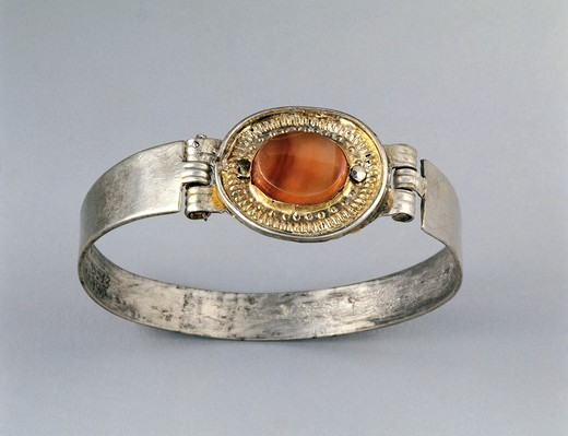 Stock Photo: 1788-41485 Silver and cornelian bracelet, Crimea. Jewellery. Gotho-Alanic Civilization, 3rd-4th Century.