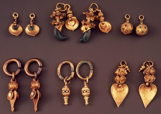 Stock Photo: 1788-41968 Gold ring pendant earrings, Korea. Goldsmith's art, Korean Civilisation, Silla Kingdom, Three Kingdoms period, 5th-6th century.