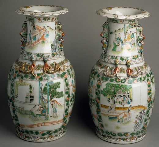 Ceramic vases with expanded and lobed mouth, China. Chinese Civilisation, Qing dynasty, 19th century. : Stock Photo