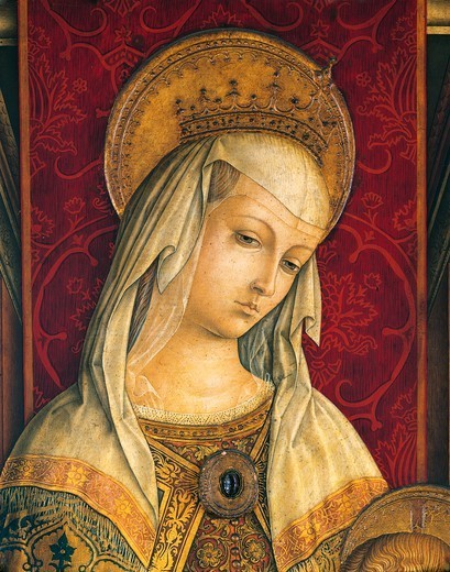Madonna's face, detail from the central panel of the Triptych of Camerino, 1482, by Carlo Crivelli (ca 1430- ca 1495), tempera on wood. : Stock Photo