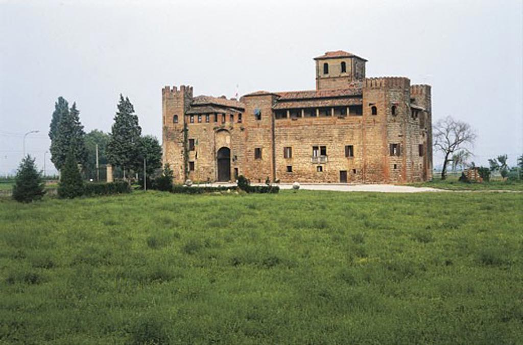 Italy - Veneto Region - Lozzo Atesino - Castle : Stock Photo