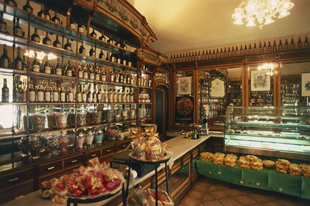 Interiors of a pastry shop, Asti, Piedmont, Italy : Stock Photo