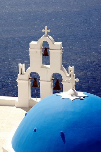 Stock Photo: 1792-100057 Greece, Santorin island, Thira Fira on the cliff, white house, white church with blue dome, typically Cycladic, Caldeira
