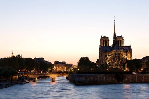 Stock Photo: 1792-100709 France, Paris, banks of the Seine River listed as World Heritage by UNESCO, Ile de la Cite, Notre Dame Cathedral