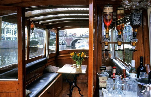 Netherlands, Northern Holland, Amsterdam, Keizersgracht, The Dylan Hotel, the Paradise boat 1920 of the hotel : Stock Photo