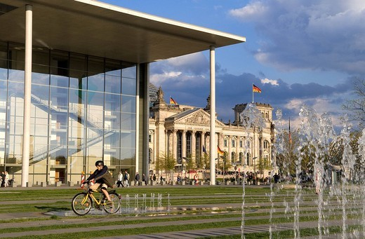 Stock Photo: 1792-102489 Germany, Berlin, Paul Lobe Haus Building by architect Stephan Braunfels, office of the parliamentary committees of the German parliament nearby Reichstag