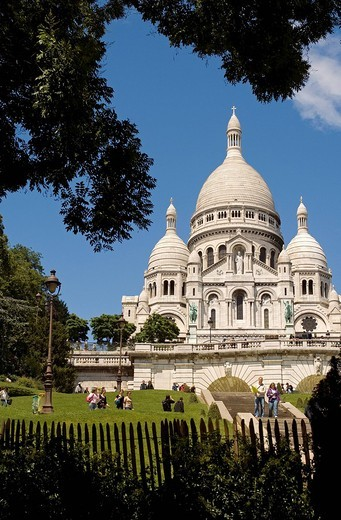 Stock Photo: 1792-104110 France, Paris, Montmartre, Basilique du Sacre Cœur Sacred Heart Basilica