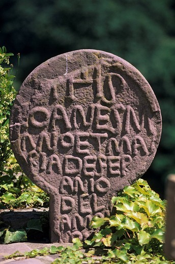 Stock Photo: 1792-108032 France, Pyrenees Atlantiques, Bidarray, disk shaped stele in the cemetery
