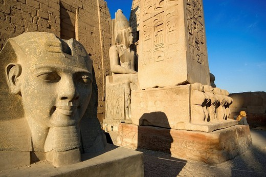 Egypt, Upper Egypt, Nile Valley, Luxor Temple listed as World Heritage by UNESCO, Ramses II´s head : Stock Photo