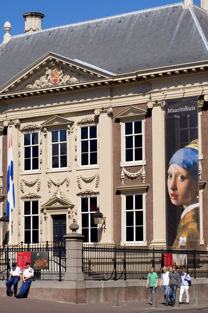 Stock Photo: 1792-109992 Netherlands, Southern Holland Province, The Hague, Mauritshuis Museum of the 17th century houses the famous paintings by J. Vermeer Girl with a Pearl