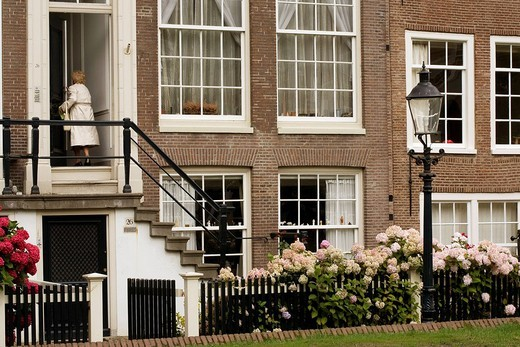 Stock Photo: 1792-110087 Netherlands, Northern Holland Province, Amsterdam, beguine convent begijnhof, houses dating from the XVIIth and XVIIIth centuries