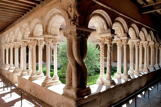 Stock Photo: 1792-112386 France, Bouches du Rhone, Aix en Provence, St Sauveur Cathedral, Romanesque cloister of the end of the 12th century