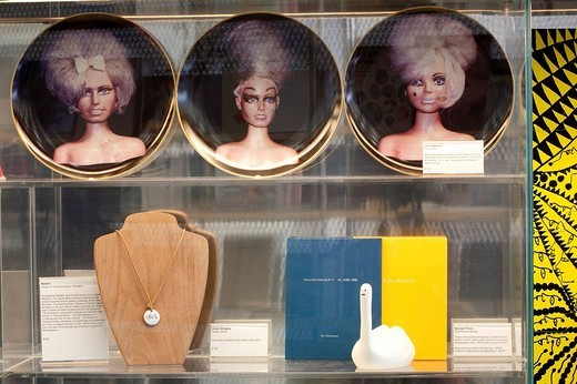 Stock Photo: 1792-113292 United States, New York City, Manhattan, Lower East Side, New Museum, plates done by John Waters sold in the shop