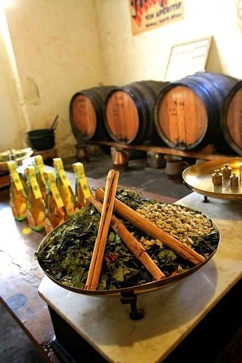 Stock Photo: 1792-113511 France, Bouches du Rhone, Chateaurenard, Frigolet Distillery, compulsory mention