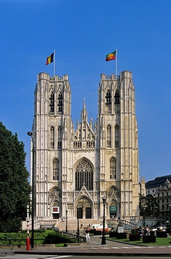 Belgium, Brussels, cathedrale des Saints Michel et Gudule The Cathedral of St. Michael and St. Gudula erected at a crossroads situated on a hill known as the Treurenberg : Stock Photo