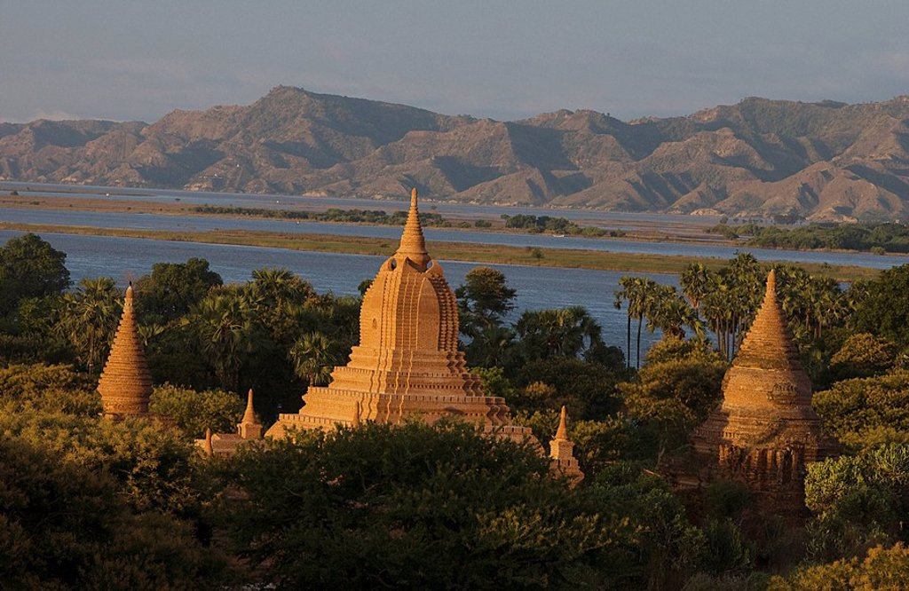 Stock Photo: 1792-114021 Myanmar Burma, Mandalay Division, Bagan, 13th century stupa of Mingalazedi Mingalar zedi Pagoda at daybreak, Irrawaddy River and Tangyi Taung Mounts in the background