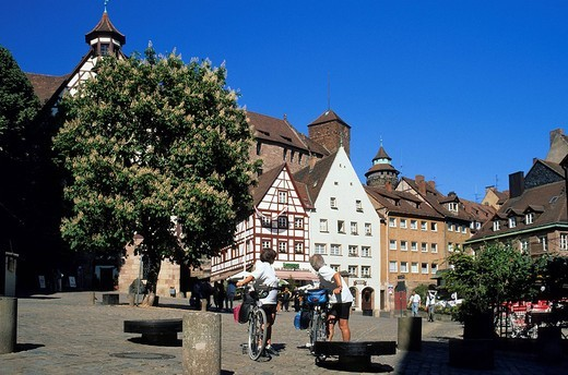 Germany, Bavaria, Upper Franconia Region, Nuremberg, Tiergartnertor Square, Durer´s home and museum in the background : Stock Photo