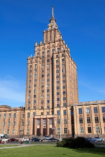 Latvia Baltic States, Riga, Science Academy, building dating from the Soviets and nicknamed by the locals as the birthday cake of Staline or also called the Kremlin : Stock Photo