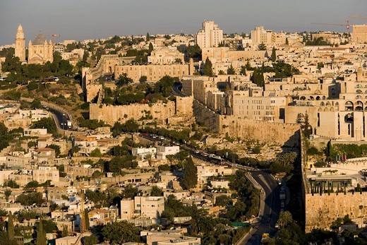 Stock Photo: 1792-117256 Israel, Jerusalem, the old town and the wall seen from the Mount of Olives at sunrise