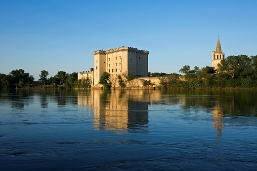 Stock Photo: 1792-118786 France, Bouches du Rhone, Tarascon, King Rene´s Castle of the 14th/15th century on the Rhone River banks