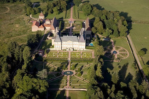 France, Saone_et_Loire, château de Dree and its formal gardens near the village of Curbigny restored in 1995 by current owner Ghislain Prouvost aerial view : Stock Photo