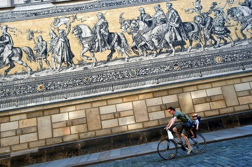 Stock Photo: 1792-121263 Germany, Saxony State, Dresden, old city Altstadt, Renaissance castle, Furstenzug Procession of the dukes, big mosaic of 102 m