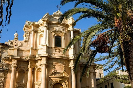 Italy, Sicily, Noto, Baroque town listed as World Heritage by UNESCO, Piazza XVI Maggio, San Domenico Church : Stock Photo