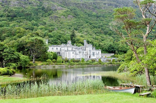 Ireland, Galway County, Connemara, abbey of Kylemore : Stock Photo