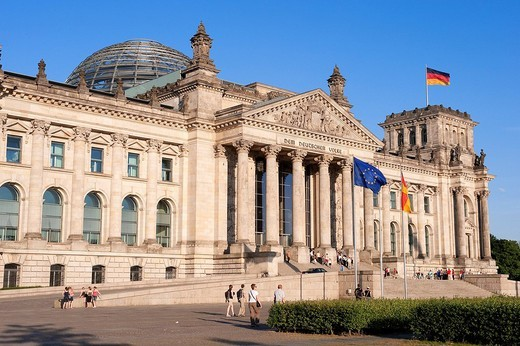 Stock Photo: 1792-122700 Germany, Berlin, the Reichstag, built by Bismarck in 1892 and rebuilt in 1961
