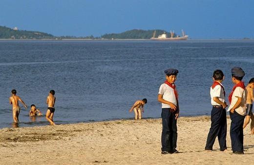 North Korea, Kangwon Province, Wonsan, pioneers at the beach : Stock Photo