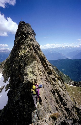 Stock Photo: 1792-124199 Switzerland, Valais, alpinist under Pointe de Fenestral