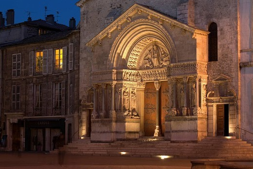 Stock Photo: 1792-124726 France, Bouches du Rhone, Camargue, Arles, Saint Trophime Church listed as World Heritage by UNESCO, portal