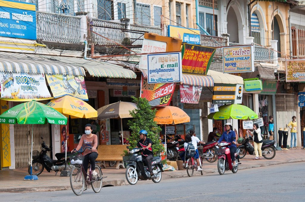 Cambodia, Battambang Province, town of Battambang, French colonial buildings : Stock Photo