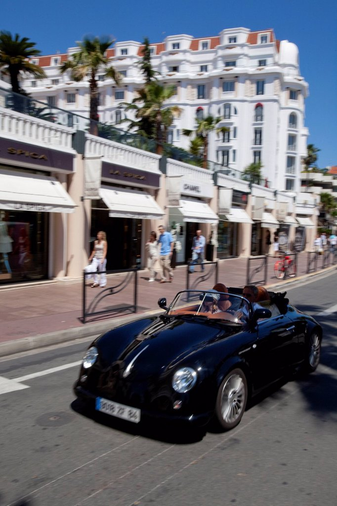 Stock Photo: 1792-126267 France, Alpes Maritimes, Cannes, the Croisette, the luxury boutique fashion designers at the Hotel Majestic Barriere