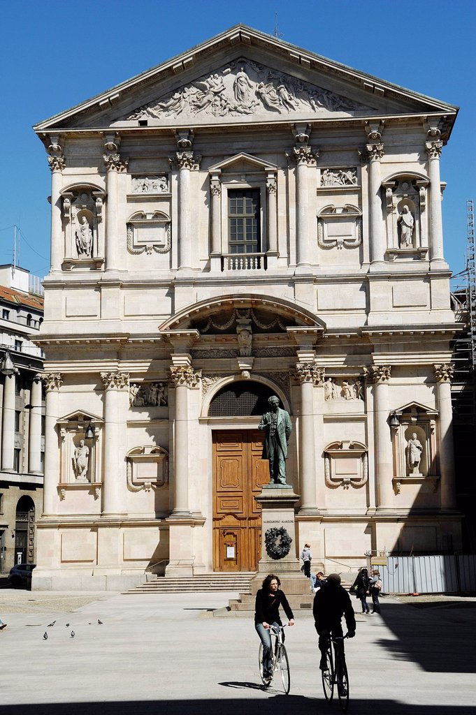 Italy, Lombardy, Milan, San Fedele church, built in 1569 by architect Pellegrino Tibaldi, San Fedele square : Stock Photo