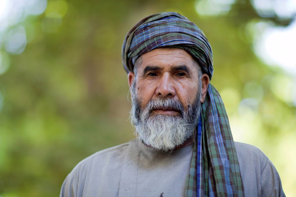 Afghanistan, Balkh province, Balkh, portrait of a man with white beard and turban : Stock Photo