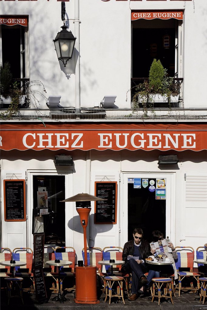 Stock Photo: 1792-128315 France, Paris, The Butte Montmartre, Place du Tertre, people sitting at the terrace of the restaurant Chez Eugene