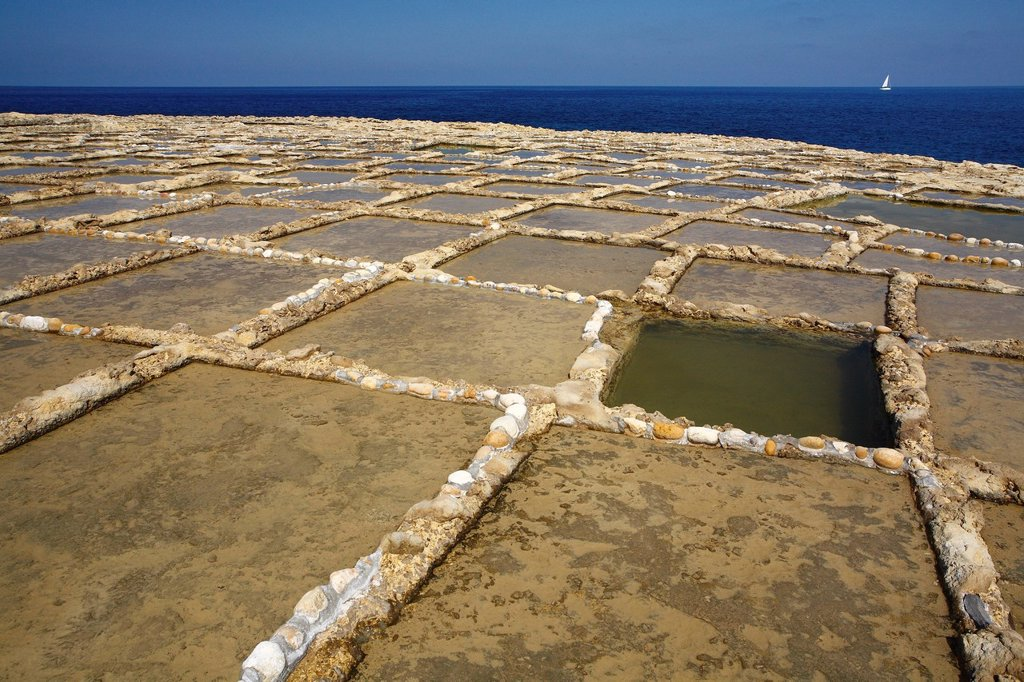 Stock Photo: 1792-128355 Malta, Gozo Island, Qala, salt marshes carved in the rock