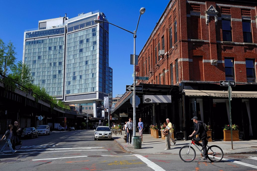Stock Photo: 1792-128866 United States, New York City, Manhattan, Meatpacking District Gansevoort Market, the High Line is a park built on a section of the former elevated freight railroad spur, the High Line runs under the Standard Hotel