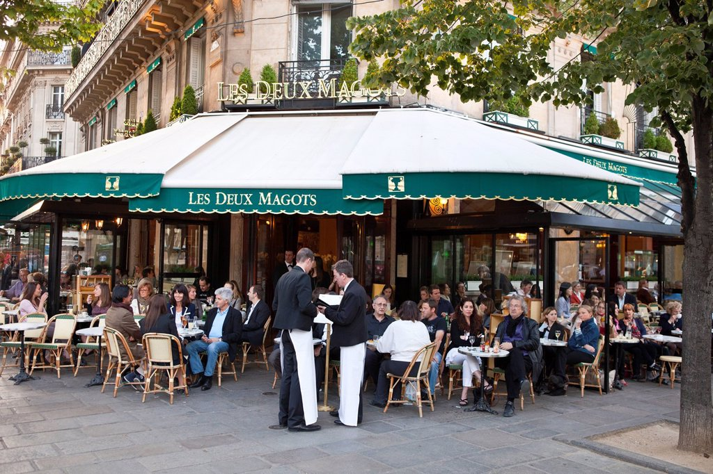 France, Paris, St Germain des Pres, the restaurant Les Deux Magots : Stock Photo