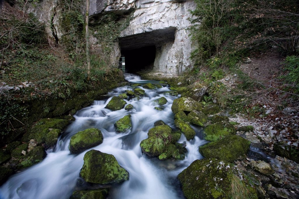 Stock Photo: 1792-129030 France, Isere, Sassenage, the cave tanks sassenage