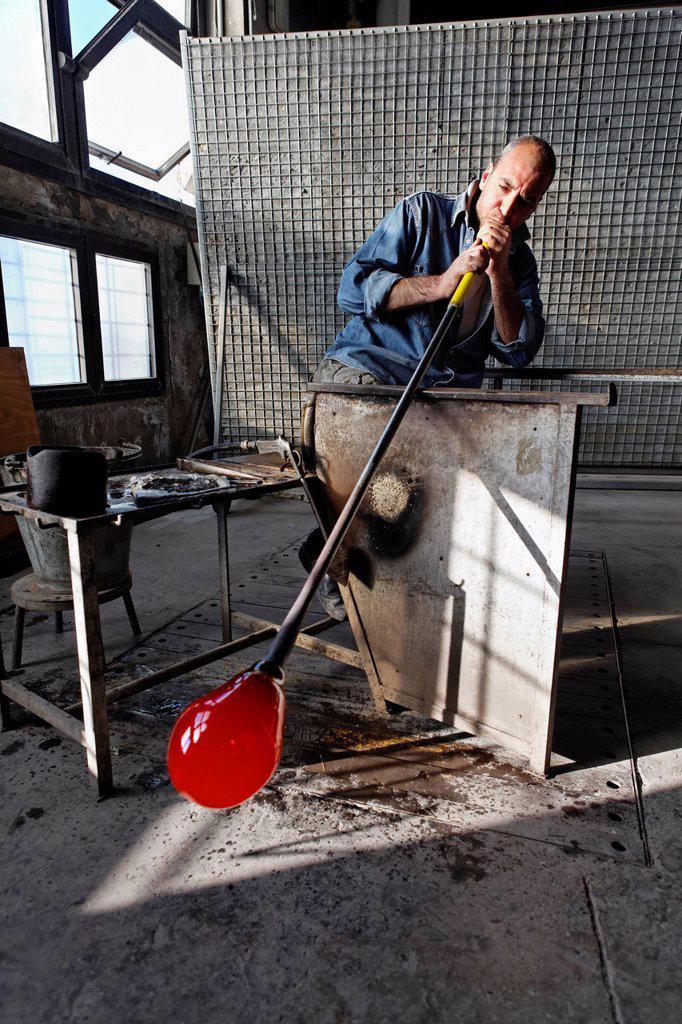 Stock Photo: 1792-129283 Italy, Veneto, Venice, listed as World Heritage by UNESCO, Murano island, Murano glass, Alberto Conserotti master glassmaker, Compulsory Mention : Salviati firm