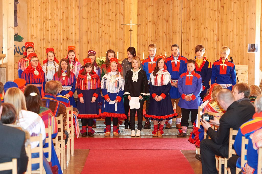 Stock Photo: 1792-129754 Norway, Lapland, Finnmark County, Karasjok, religious ceremony in the traditionnal sami´s habit