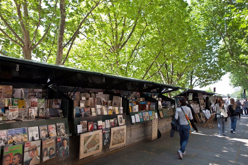 Stock Photo: 1792-129760 France, Paris, quai de la Megisserie, the booksellers