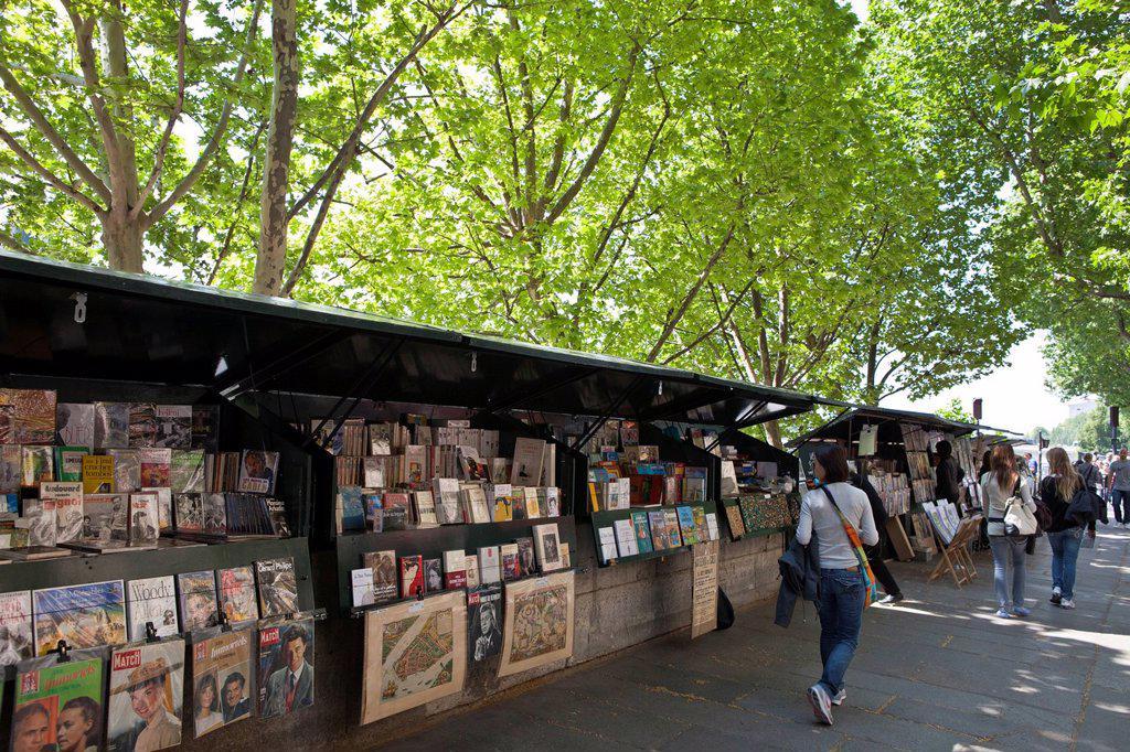 France, Paris, quai de la Megisserie, the booksellers : Stock Photo