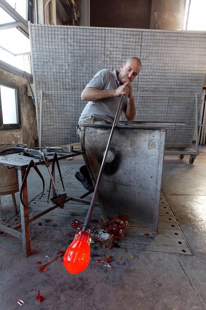 Stock Photo: 1792-130840 Italy, Veneto, Venice, listed as World Heritage by UNESCO, Murano island, Murano glass, Alberto Conserotti master glassmaker, Compulsory Mention : Salviati company