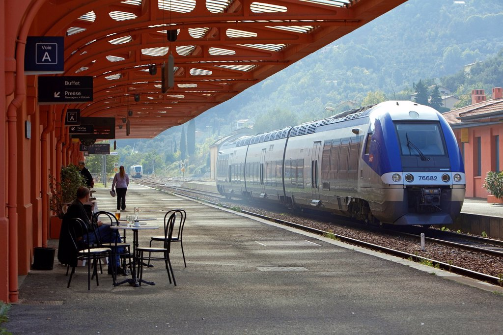 France, Alpes Maritimes, Roya Valley, Breil sur Roya, station, train of the Vallee des Merveilles Valley of Wonders, TER line regional train : Stock Photo