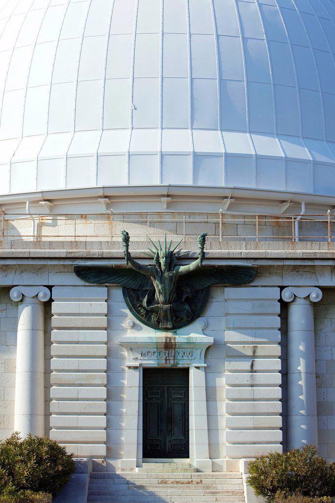 France, Alpes Maritimes, Nice, Mont Gros, the observatory was established in 1881 by philanthropist Raphael Bischoffsheim, the dome Bischoffsheim : Stock Photo