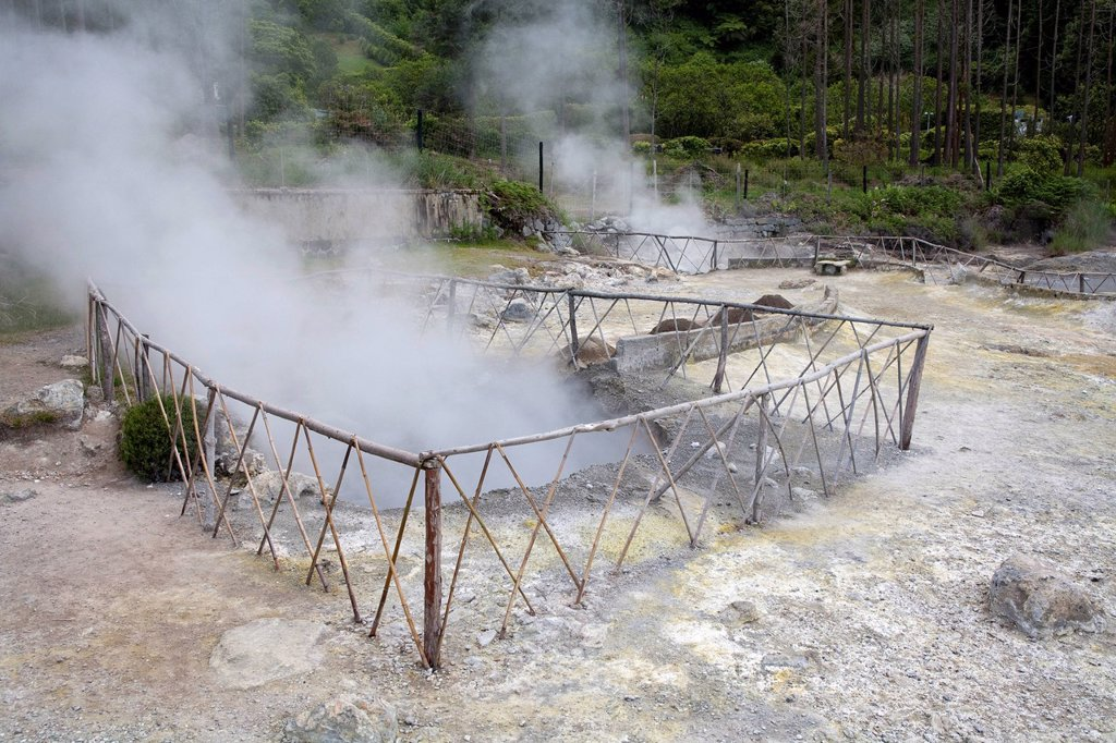 Stock Photo: 1792-136567 Portugal, Azores islands, Sao Miguel island, Furnas lake, geothermic activity, fumarole