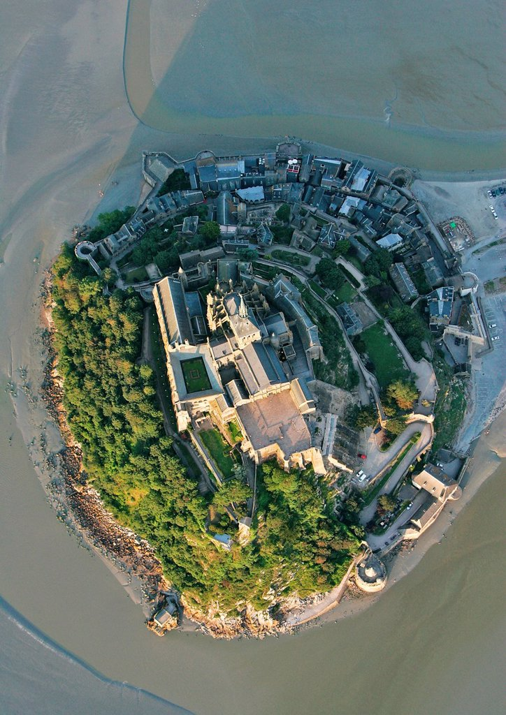 France, Manche, Bay of Mont Saint Michel, listed as World Heritage by UNESCO, Mont Saint Michel upright of the mount : Stock Photo